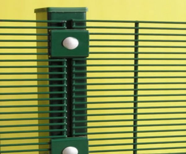 Green Powder Coated Fence Posts for 358 Secure Mesh Panels Installation